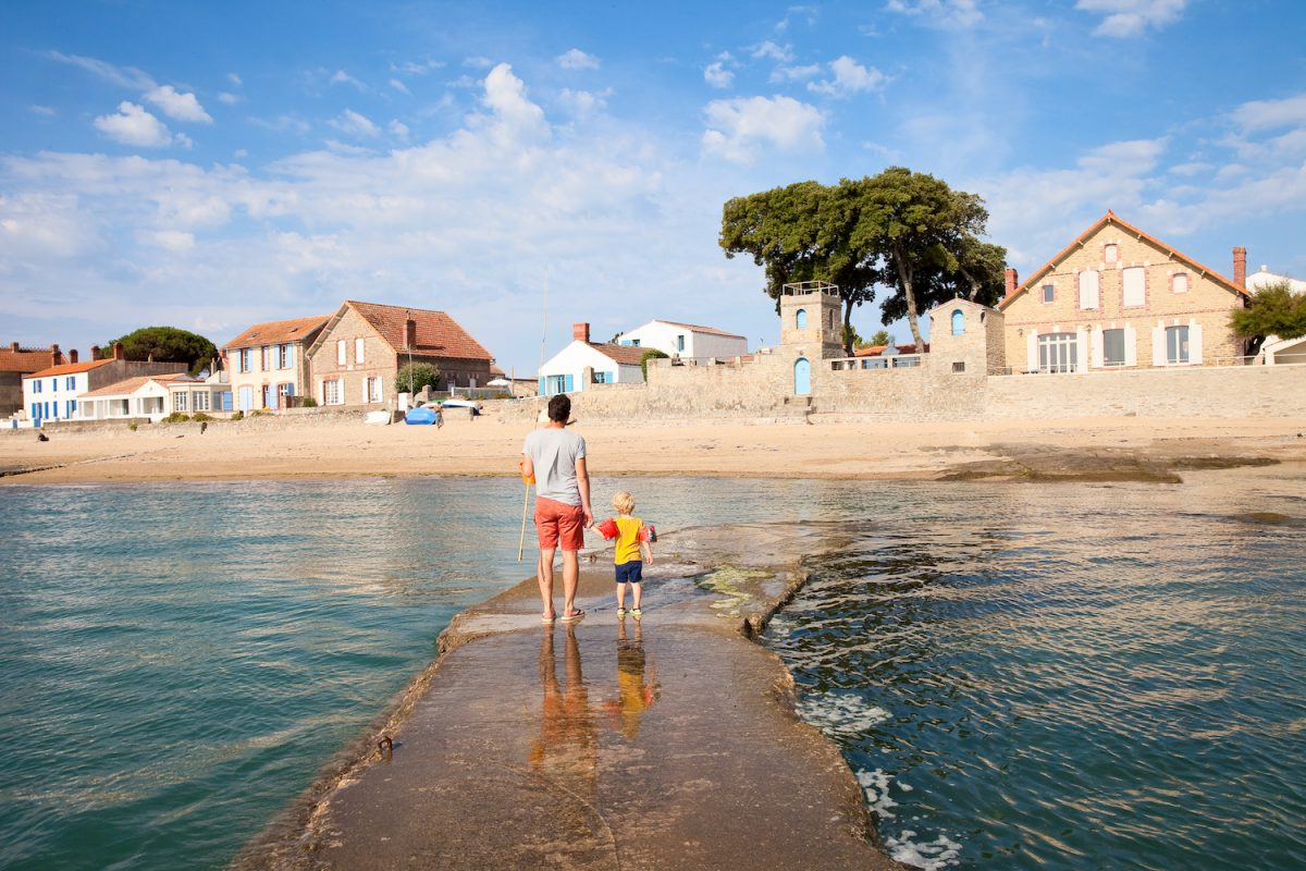 Noirmoutier, village du Vieil vu de la digue