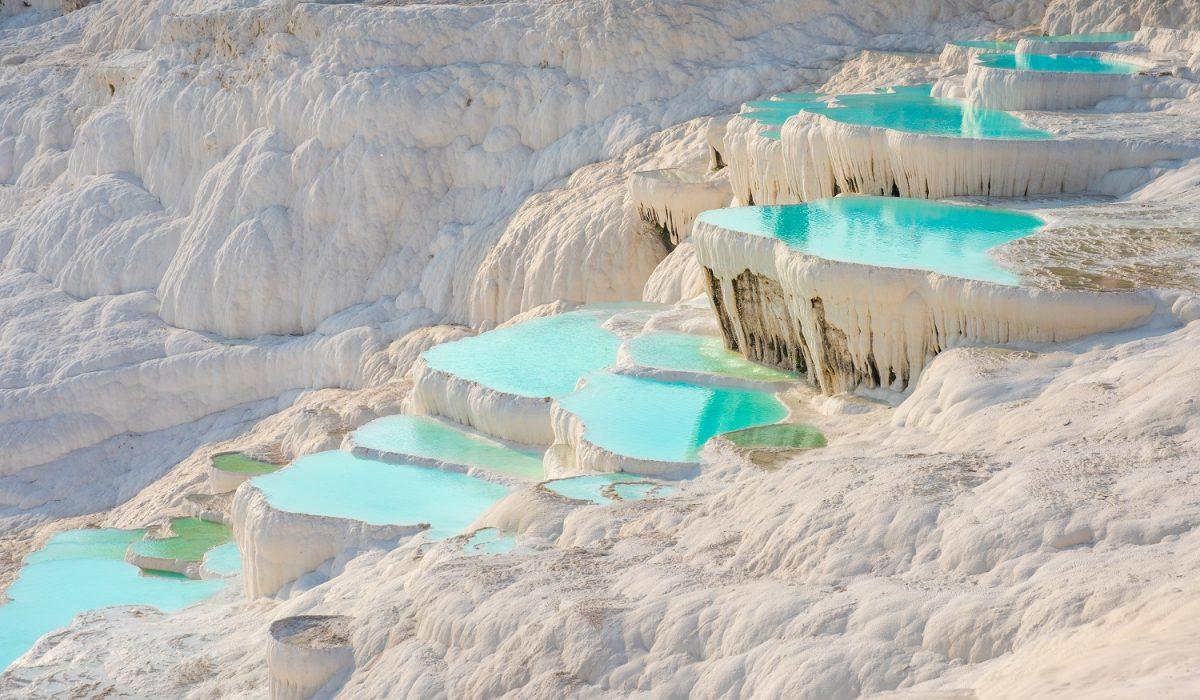 Hot springs around the world