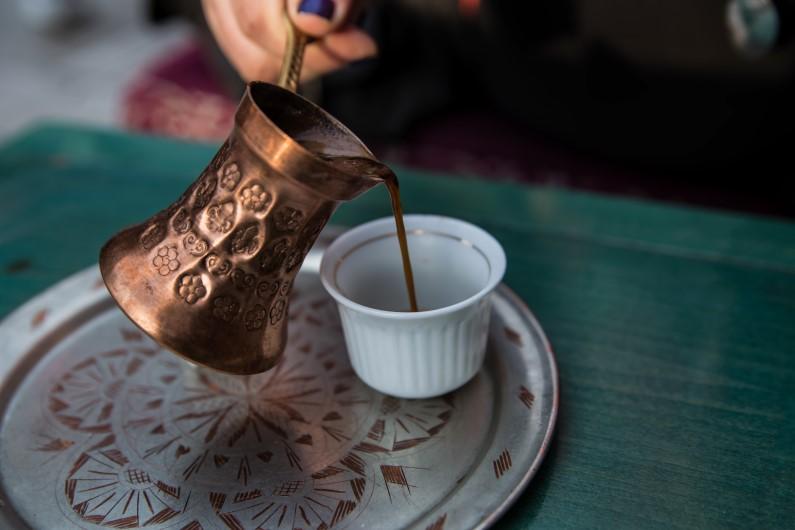 Bosnian coffee pour