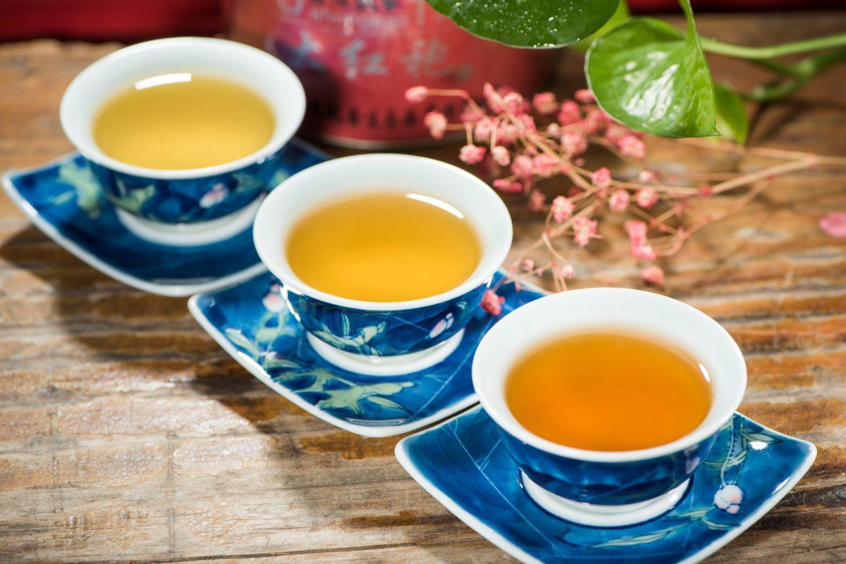 3 tea cups of black tea