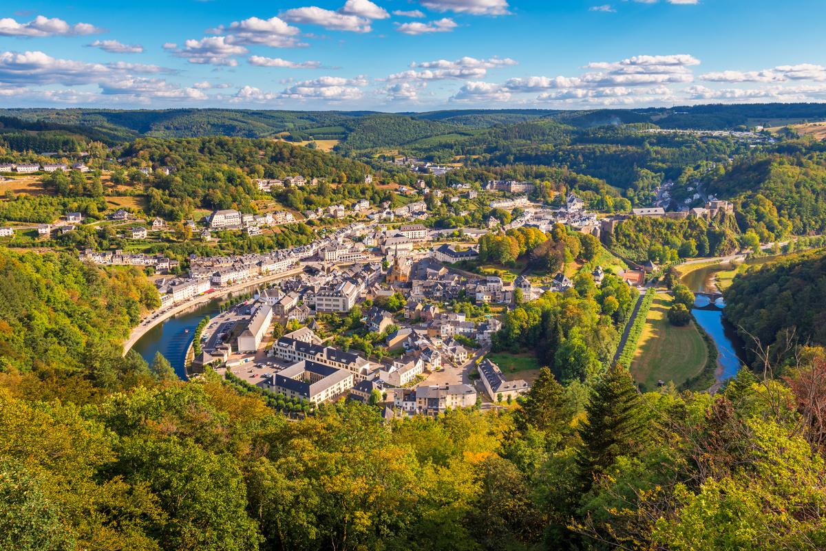 Uitzicht over Bouillon in de Ardennen